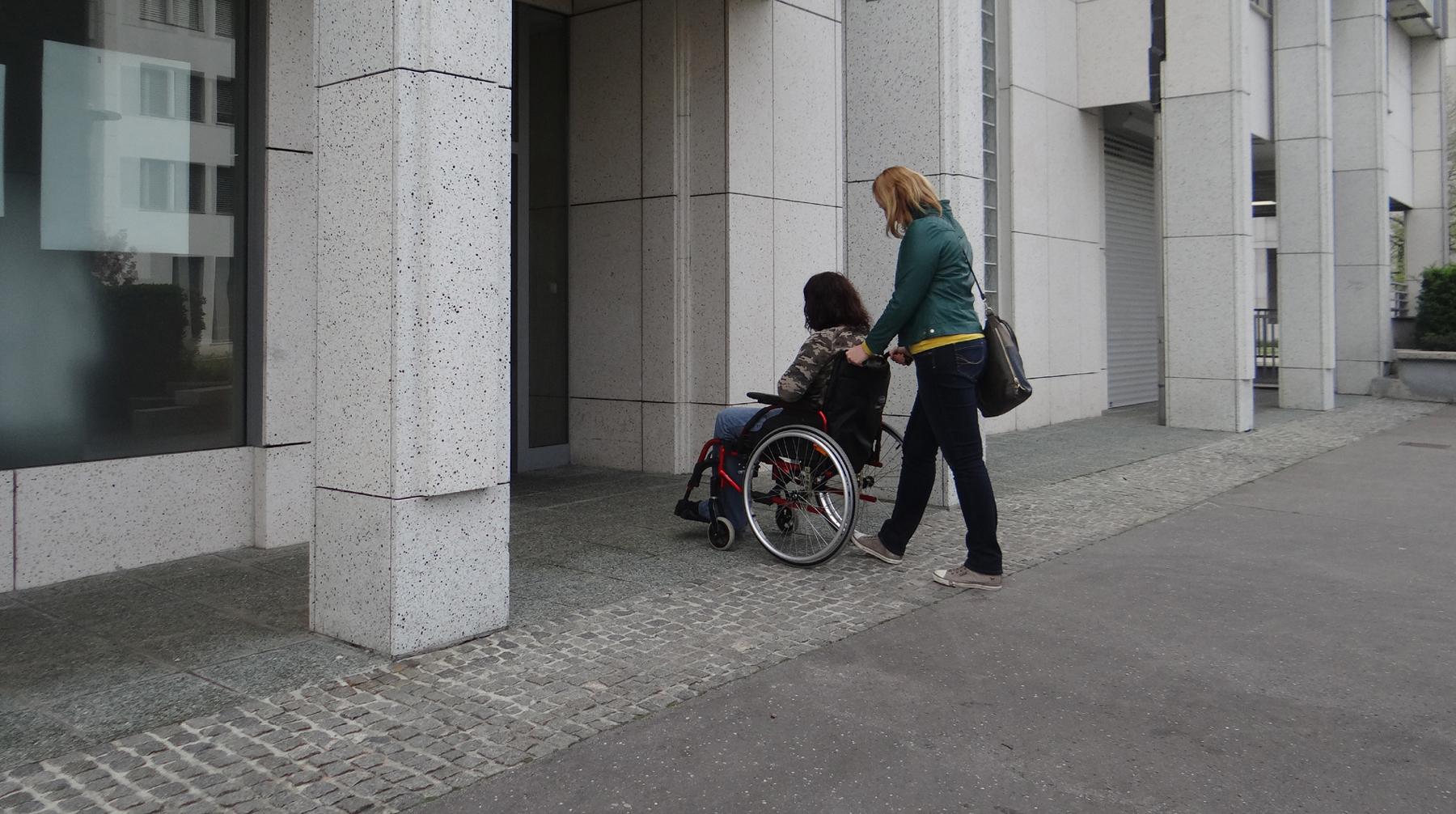 Sprejet Zakon o osebni asistenci
