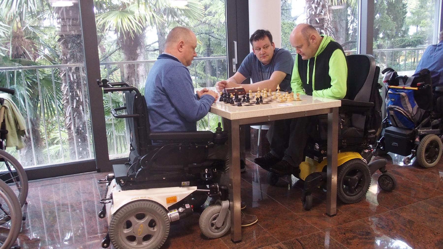Spletni šahovski turnir za distrofike